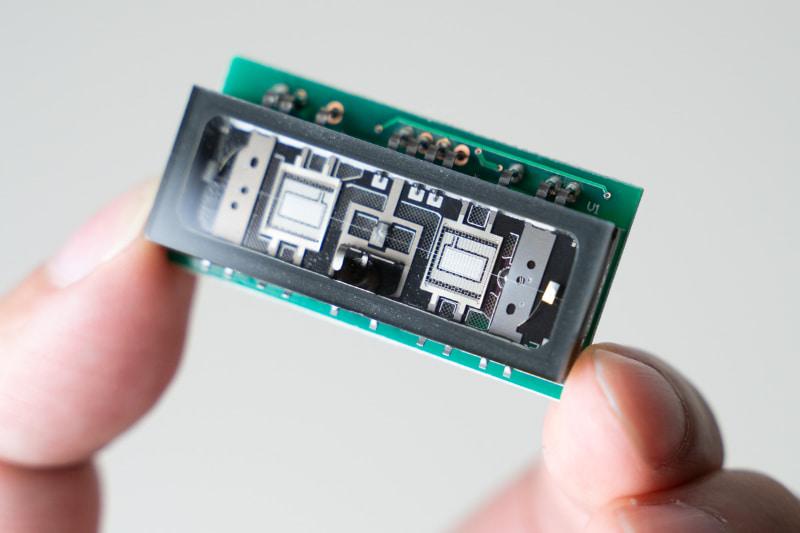 蛍光表示管(VFD)の技術を応用したNutube