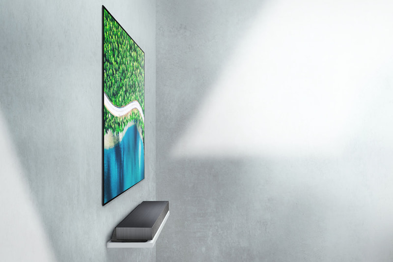 壁に貼れる厚さ約3.9mmの4K有機ELテレビ「WX」