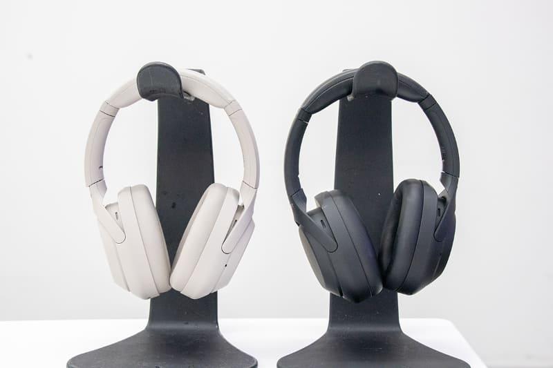 「WH-1000XM4」 プラチナシルバー(左)、ブラック(右)