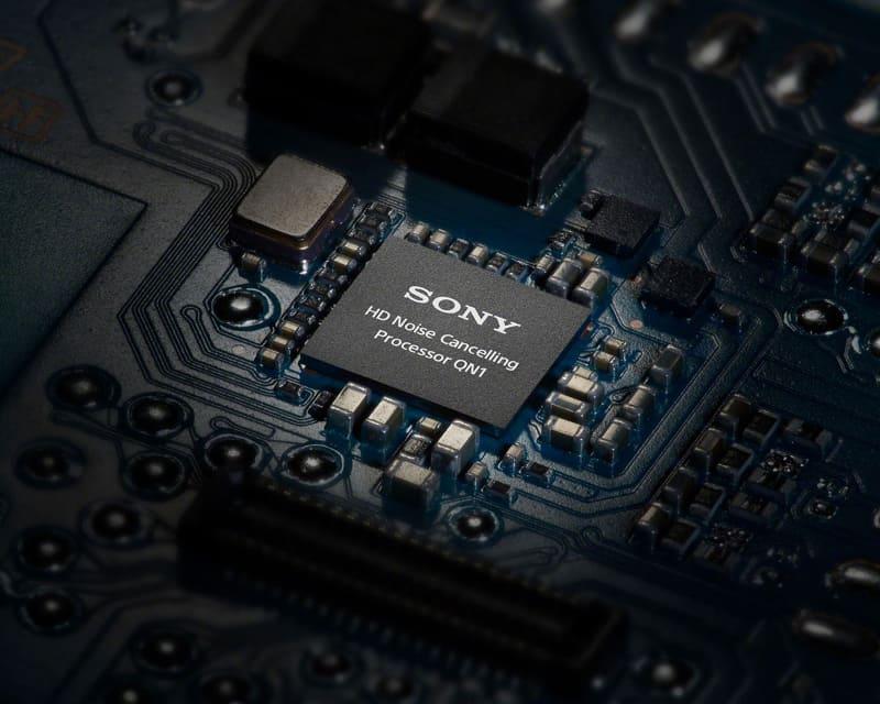 独自の高音質NCプロセッサ「QN1」