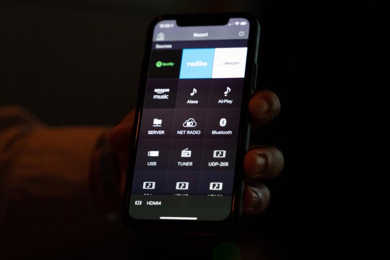 ネットワーク音楽再生の「MusicCast」アプリから、AVアンプの設定変更などもできるようになった