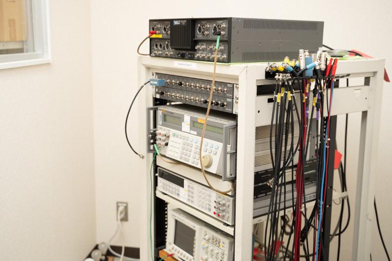 計測器自体の精度を維持するため、定期的な校正作業=キャリブレーションが行なわれている