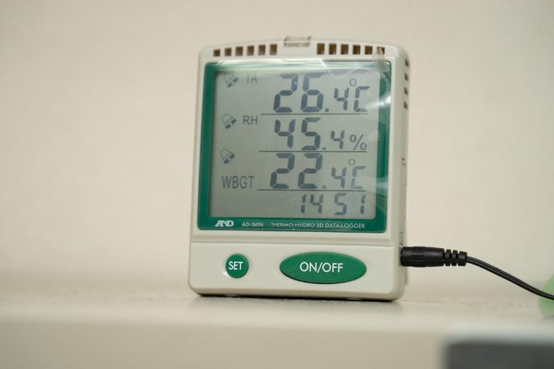 キャリブレーションルームは温度・湿度まで管理されている