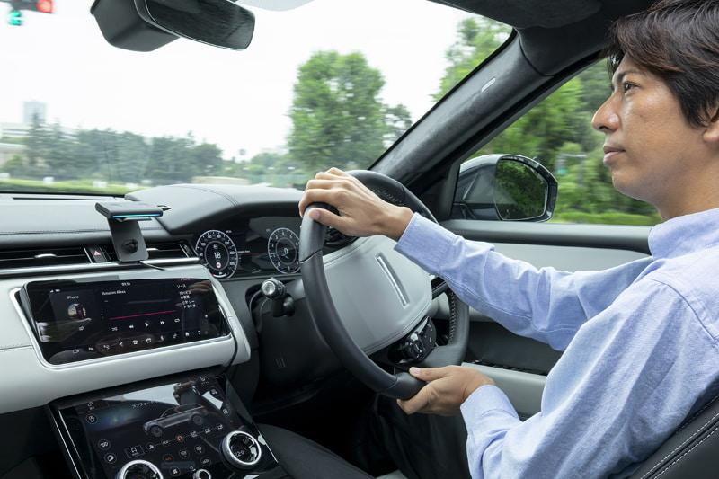 車載用新デバイス「Amazon Echo Auto」使用イメージ