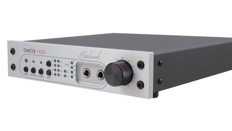バリエーションモデルとして、ハイブリッド・ゲイン・コントロール機能と、HPA2ヘッドフォンアンプを追加した「DAC3 HGC」(オープンプライス/実売293,000円前後)というモデルもラインナップされている