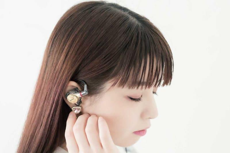 春奈るなとJust earのコラボモデル「XJE-MH/LUNA」