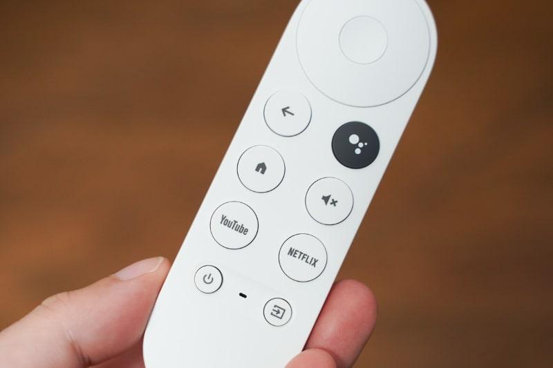 YouTube、Netflixボタンを備えている