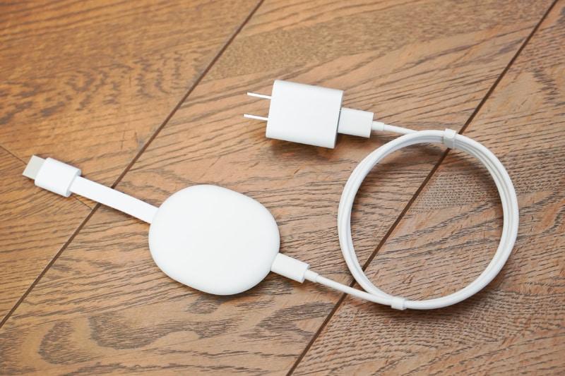 USBケーブルを使って給電する