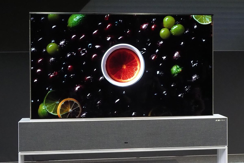 2019年のCESで展示された「LG SIGNATURE OLED TV R」