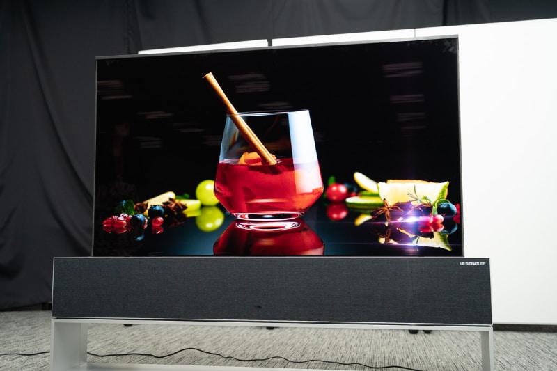 「LG SIGNATURE OLED TV R」