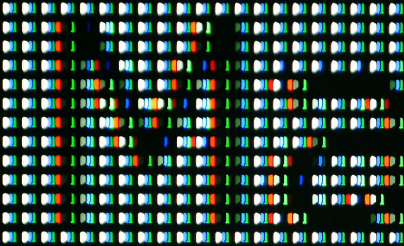 ピュアダイレクトOFF。クロマサンプリングされると、余計な偽色がでる。映像ソースにあわせて選択したい