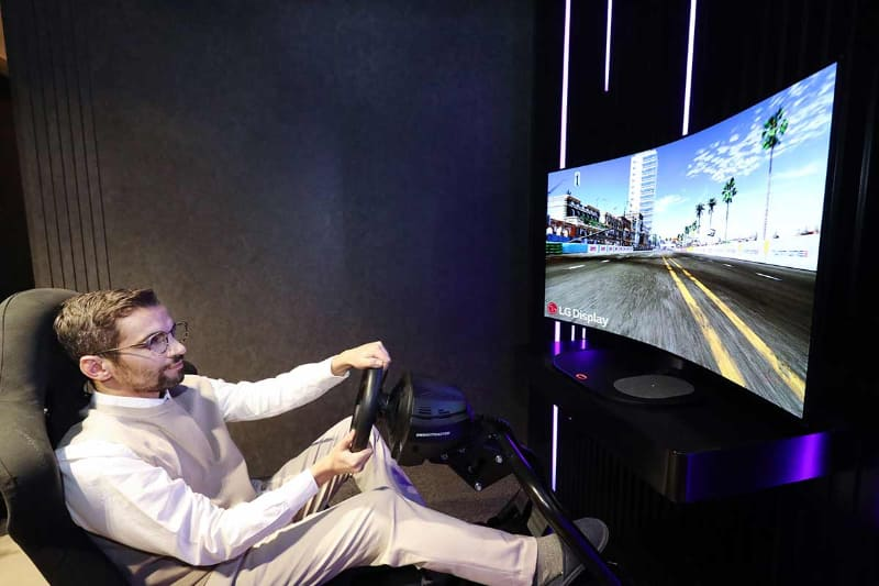 LG Electronicsが発表した48インチのシネマティックサウンドOLED(CSO)ディスプレイ