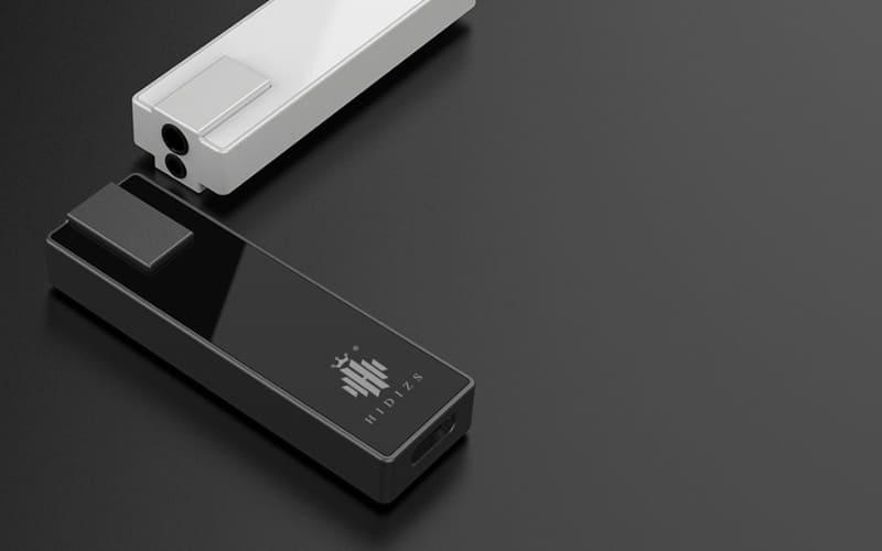 出力端子は3.5mmと2.5mmの2種類を搭載