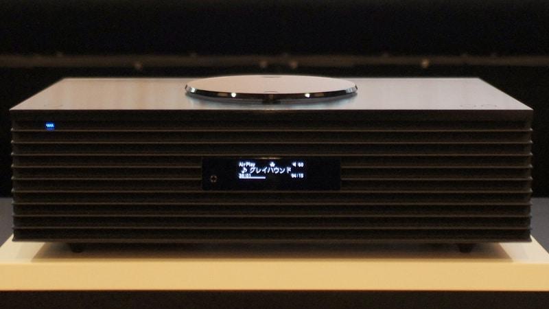 AirPlay2接続時の画面表示。AirPlayの表示ができているどころか、再生中の作品タイトルまでも表示されているのには驚いた