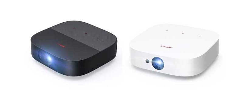 「Nebula Vega Portable」(左)と「Nebula Solar」(右)