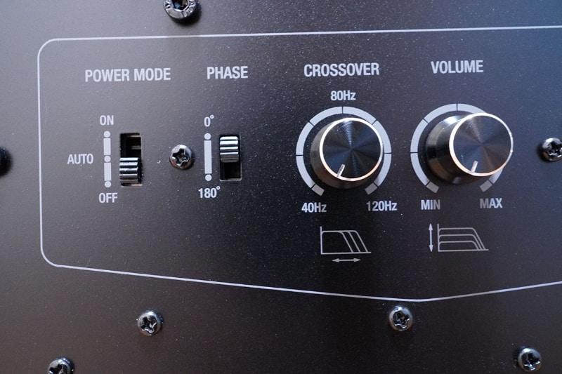 主電源スイッチの他にパワーモードのスイッチがある