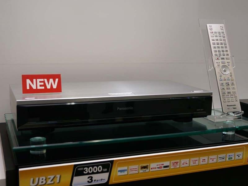 2015年11月に発売した、世界初Ultra HD Blu-ray再生に対応したパナソニックレコーダー「DMR-UBZ1」