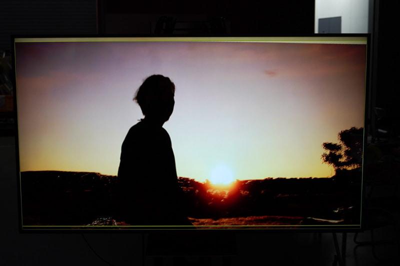 室内で、夕日をバックにした荒野での撮影ができる