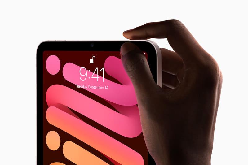 TouchIDは、向かって右上のボタンに搭載