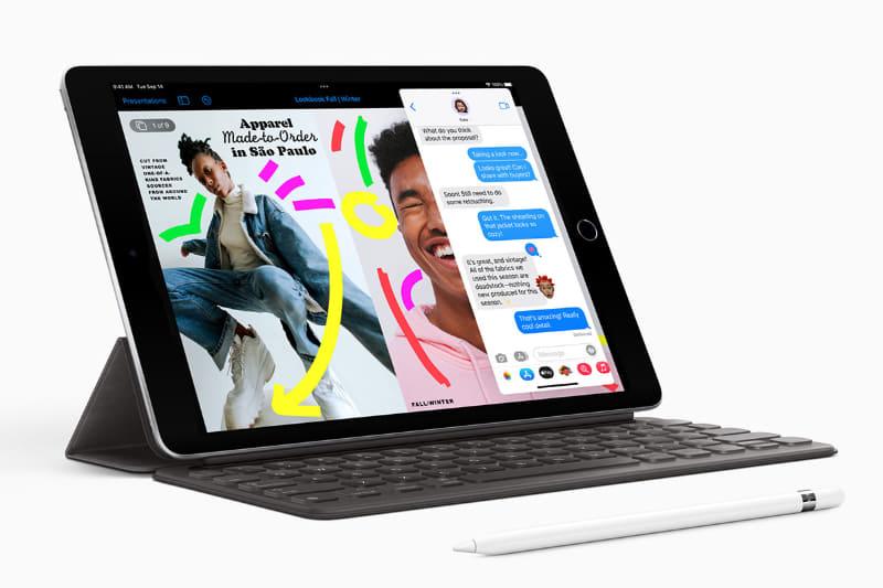 新しいiPad mini。アクセサリーのApplePencil(第1世代)とSmart Keyboardを使っているところ