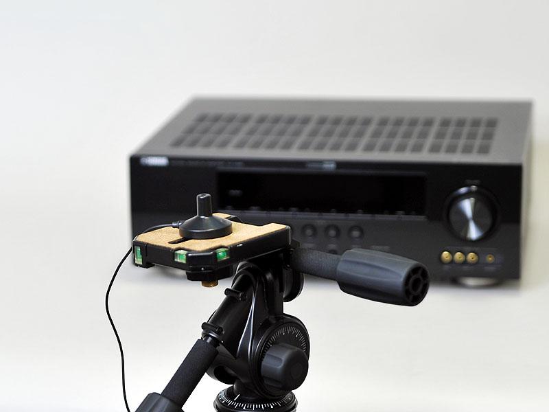 カメラの三脚などに装着して測定することもできる
