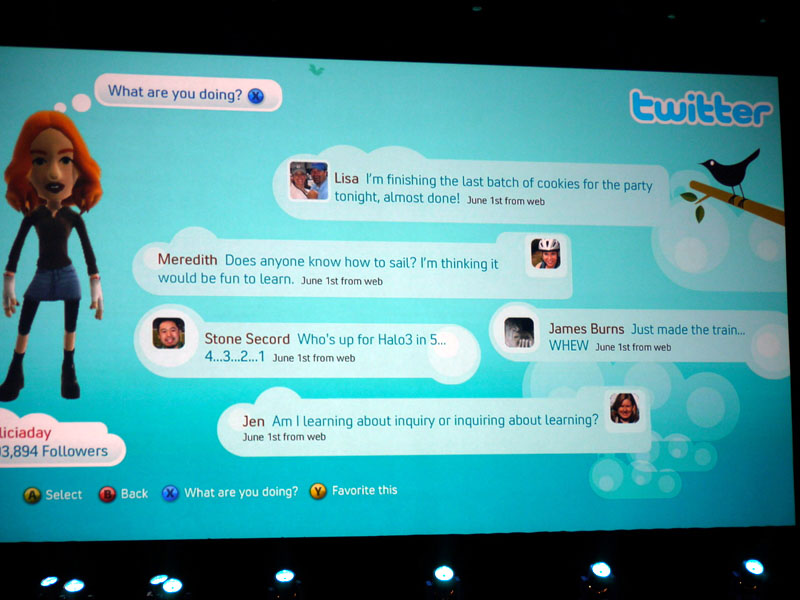 日本でも利用者増加中のTwitterもXbox Liveに。ゲームをしながらぼそっと「つぶやく」だけでなく、つぶやきをテレビでぼーっと眺める、といった使い方も可能