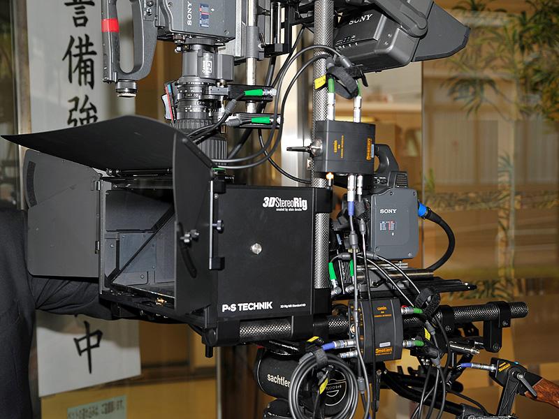 新しい3D撮影用Rigを使ったシステム。左側にある箱の中にハーフミラーが入っている