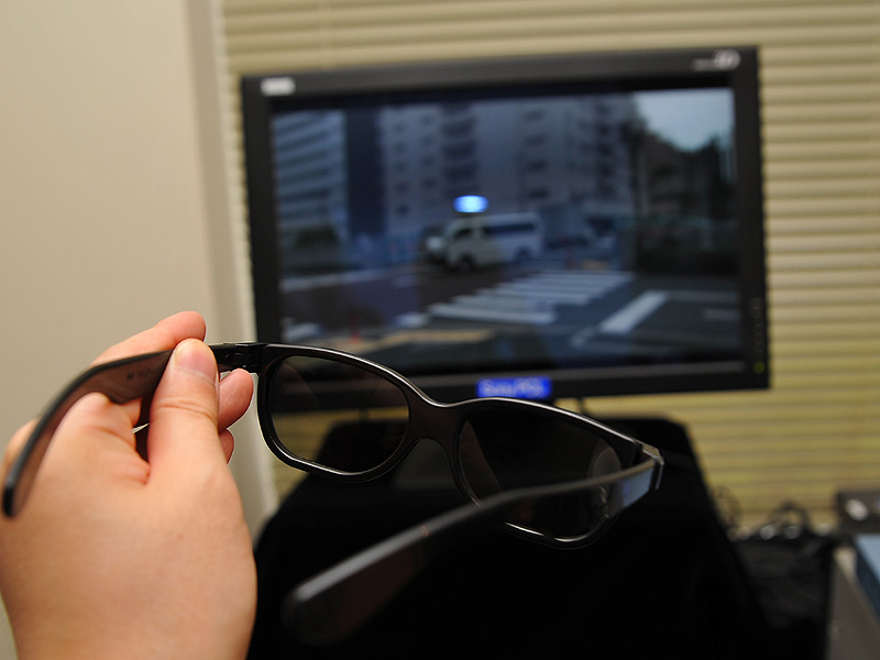 撮影動画を偏光眼鏡でチェック