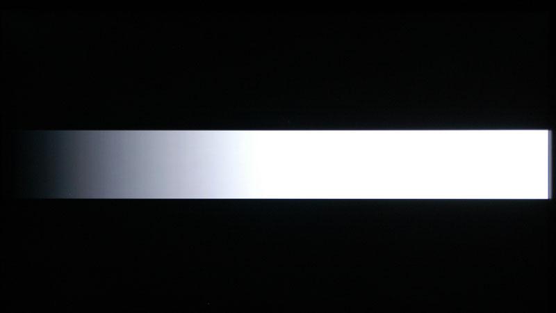 エリア駆動なし。未表示の黒部分が微妙に明るくなってしまう。また、最暗部に若干の黒浮き浮きが出てしまっている