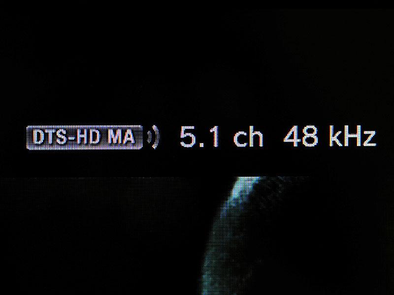 PS3のオーバーレイ情報表示画面、右上。DTS-HD MA 5.1chと書かれているが、リニアPCM変換で出力されている