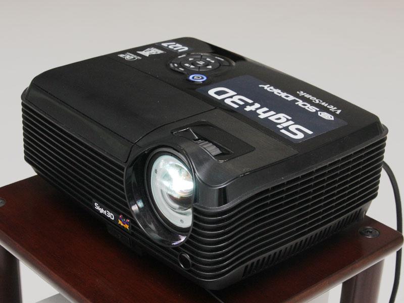 超短焦点モデルの「Sight3D U27」