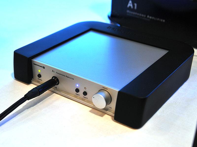 ヘッドフォンアンプの「A1」