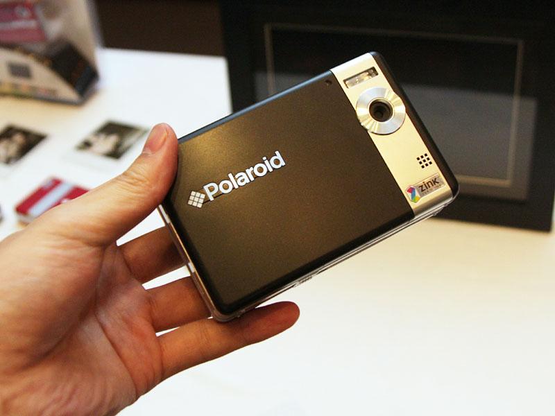 プリント機能を持つデジカメ「Polaroid TWO」