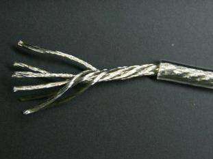 Rope lay構造を採用