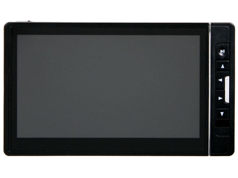 ポータブルとしては大画面の7型液晶を搭載した