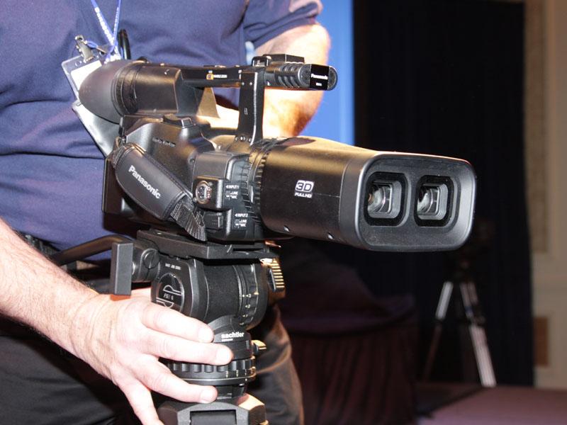 二眼式フルHD 3Dカメラ