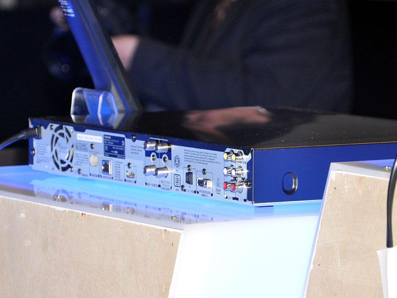 D-B1005Kの背面