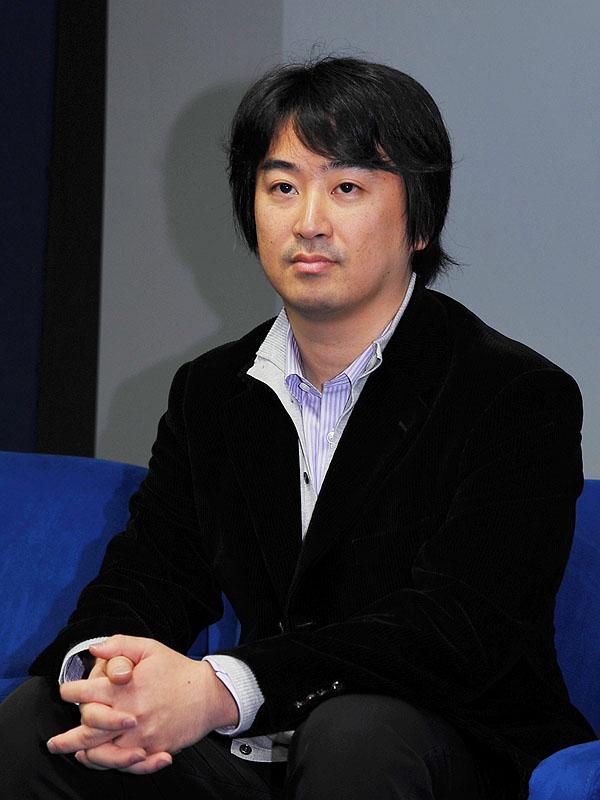 ソフトウエアプラットフォーム開発部 2課 1グループの石塚健作氏