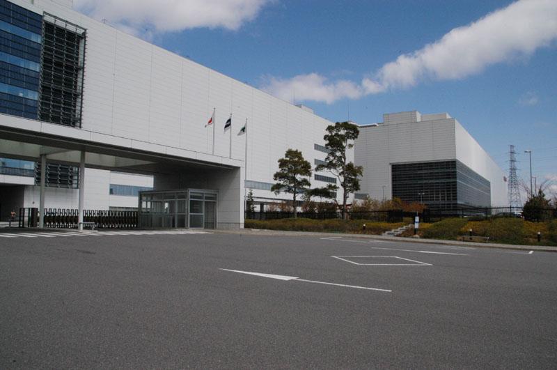 LEDバックライトの開発を行なうシャープ亀山工場