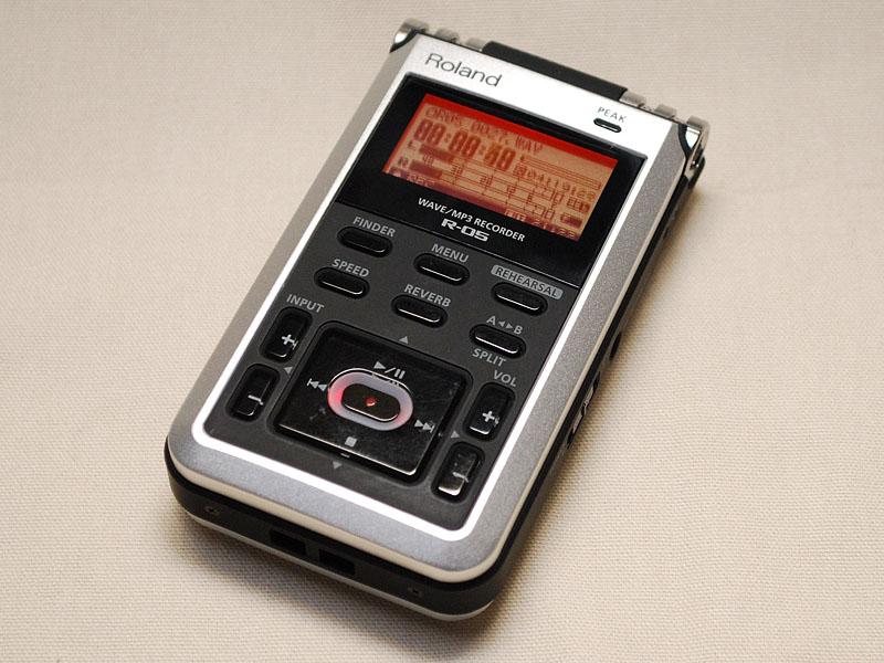 RolandのリニアPCMレコーダの新製品「R-05」