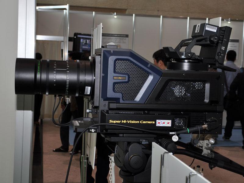 新開発のスーパーハイビジョン・フル解像度カメラシステム
