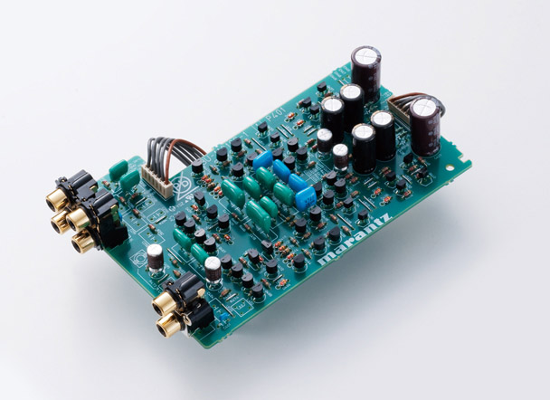 コンスタント・カレント・フィードバック型回路を採用したフォノイコライザを搭載
