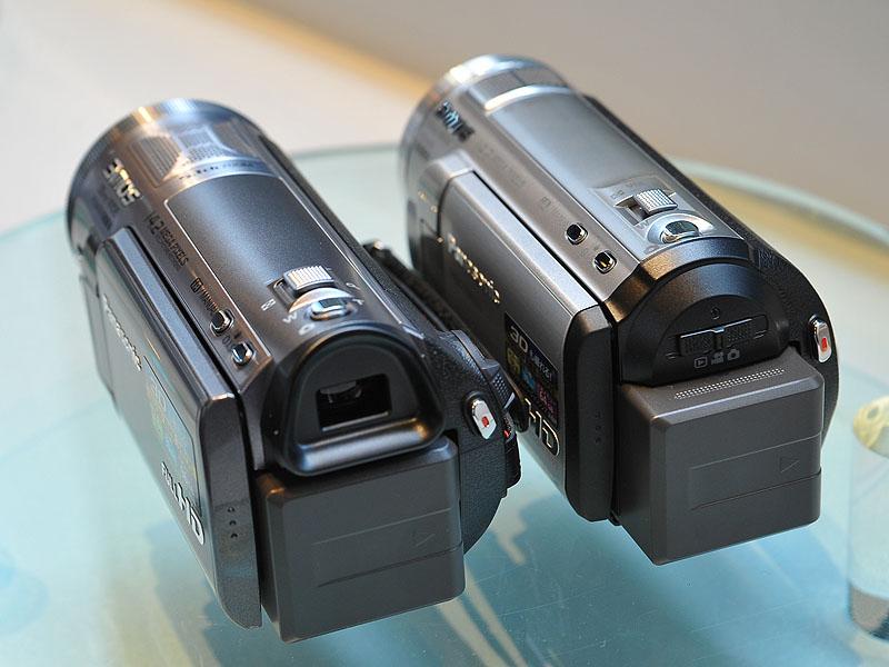 <FONT size=2>左のTM750のみ、液晶ビューファインダーを備えている</FONT>