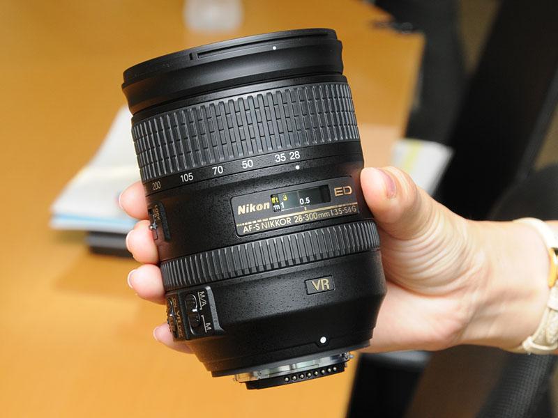 <FONT size=2>AF-S NIKKOR 28-300mm f/3.5-5.6G ED VR</FONT>