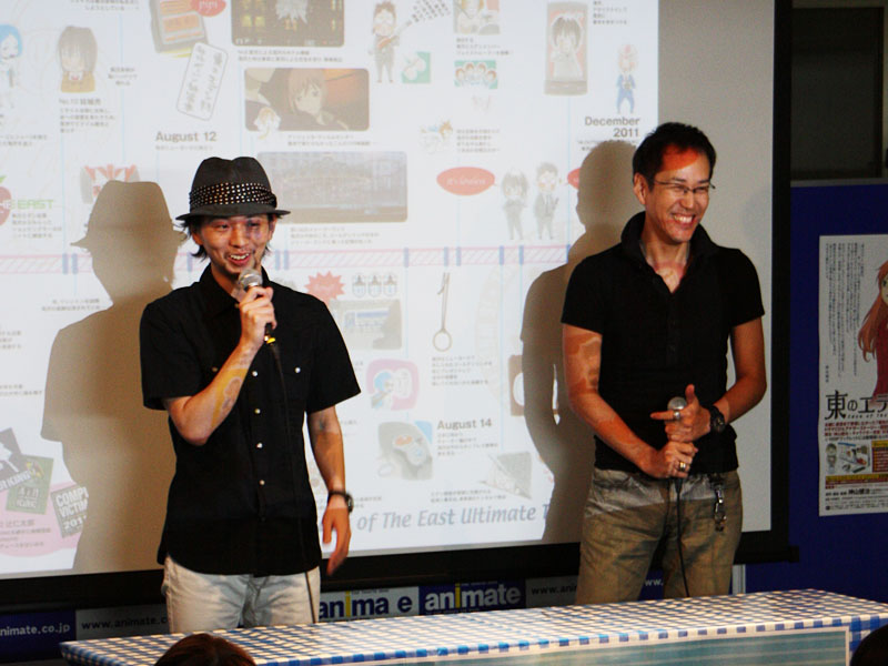 左から滝沢朗役の木村良平さん、神山健治監督