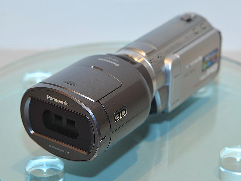 3Dコンバージョンレンズを装着したHDC-TM650