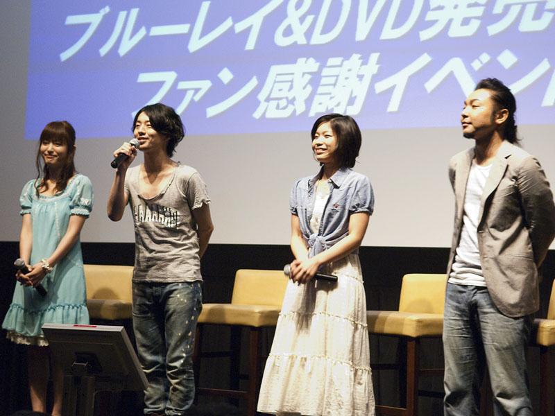 左からジョーイ役の小松未可子さん、サイ役の木村良平さん、リナ役の小幡真裕さん、ウィル役の保村真さん