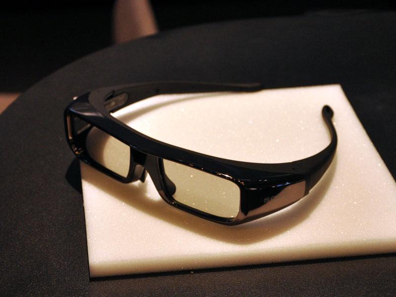 別売の3Dメガネ「TDG-BR100」