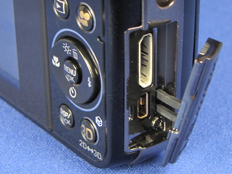 ミニHDMI端子を新たに装備