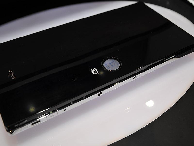 BDレコーダの参考展示モデル。BDXLに対応し、薄さ35mmという筐体が特徴